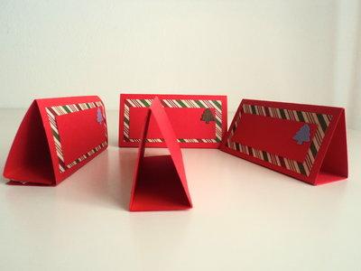 Segnaposto Natalizi In Cartoncino.Set Di 4 Segnaposti Natalizi In Rosso Con Alberelli Di Natale