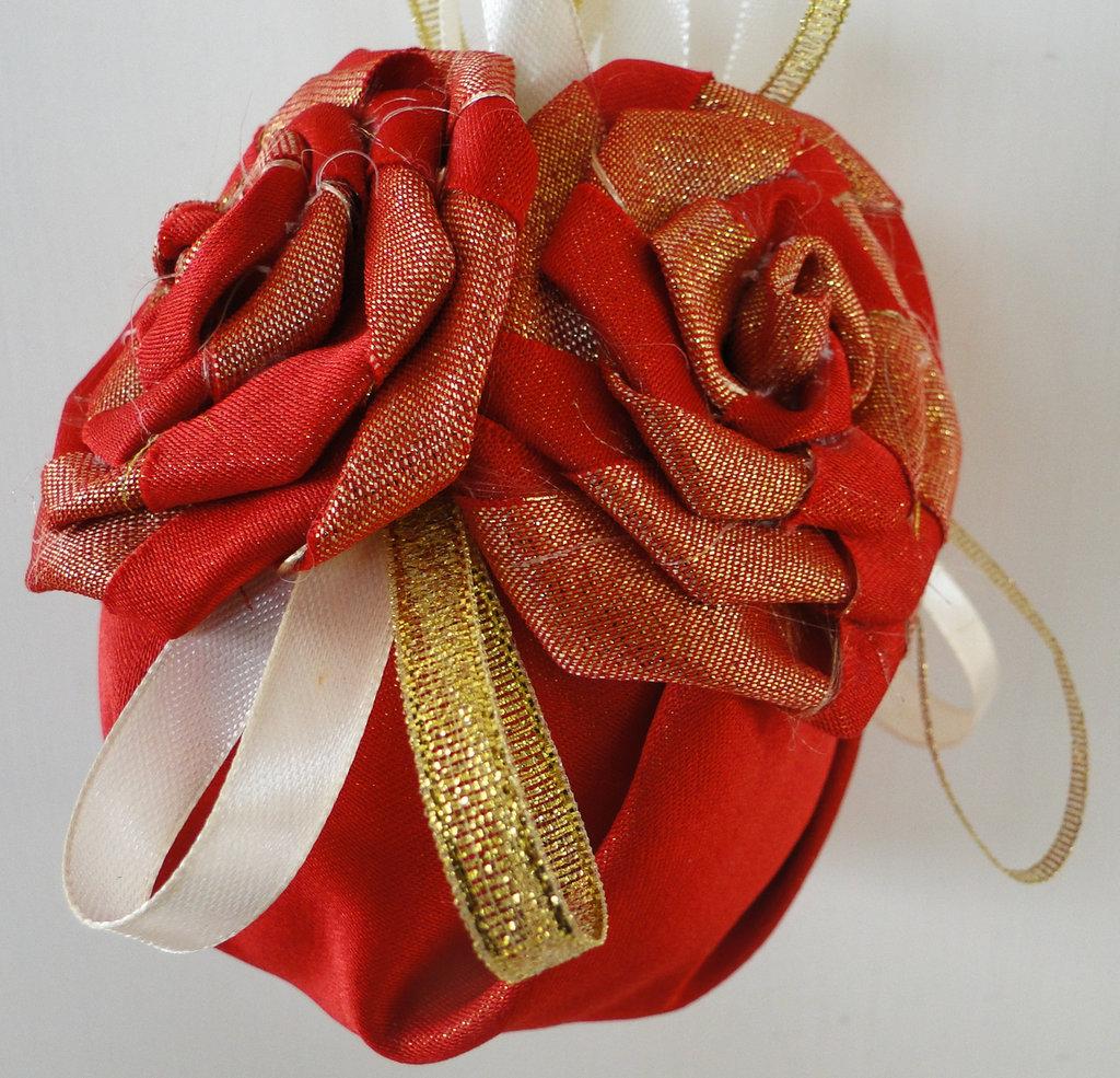 "Pallina di Natale ""Rose Rosse"""