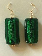 Orecchini in vetro verde
