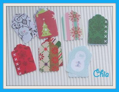 10 mini tag in carta stampata Natale per scrap 3,5x2,3cm