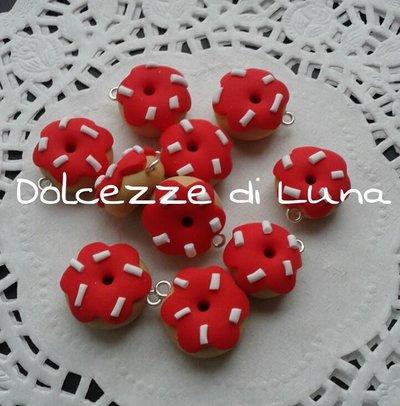 1 pezzo ciambella donuts rosso con granella bianca ciondolo in fimo 1,5 cm