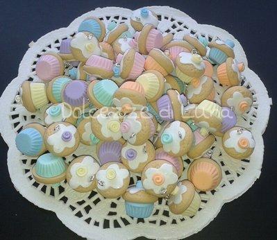 1 pezzo ciondolo cup cake rosa lilla arancione verde menta celeste giallo con rosa in fimo fatto a mano misura 2cm