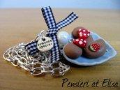 Collana torta Minnie su piatto a forma di cuore