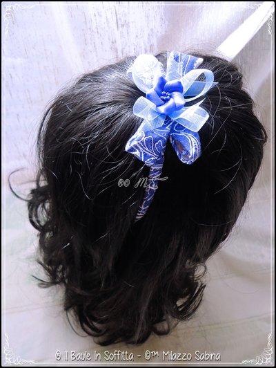 Frontino con Fettuccia fantasia nei toni del blu e fiore in Fimo