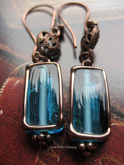 """Orecchini in Rame Anticato con Perle in Vetro Effetto Vetrata Tiffany. Antiqued Copper Earrings with """"Tiffany"""" Glass Beads. Spedizione Gratuita."""