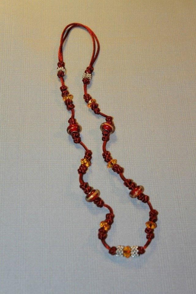 Collana realizzata a mano con nodi cinesi portafortuna e - Simboli portafortuna cinesi ...