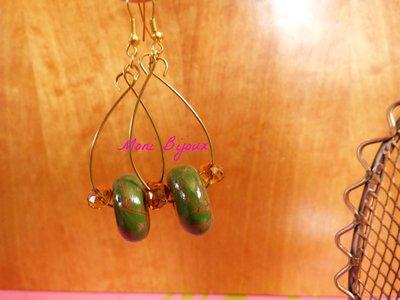 orecchini pendenti con perla in fimo verde