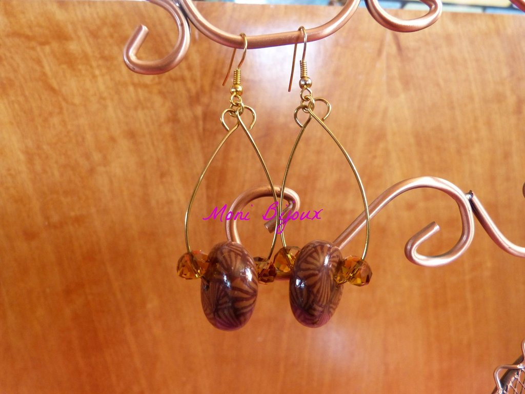 orecchini pendenti in fimo con perla schiacciata