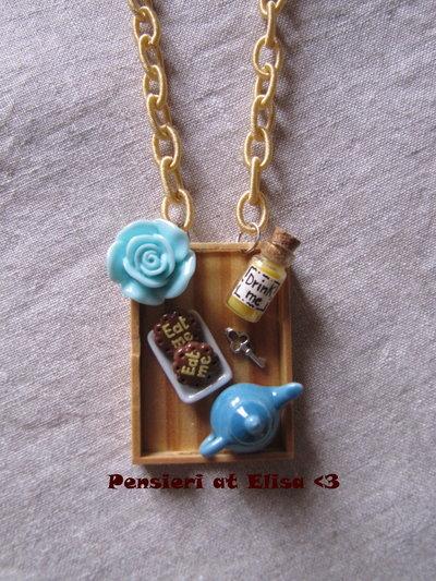 Collana vassoiolegno biscotti ''eat me'' Alice nel paese delle meraviglie