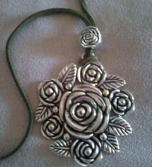 Collier 6 rose