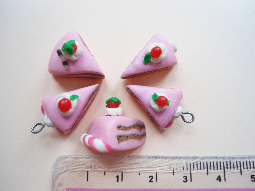 Lotto 3 - Fette di torta rosa