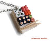 Collana piattino con sushi in fimo
