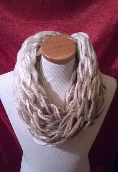 Scaldacollo in lana sfumata