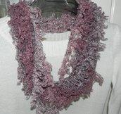 Sciarpa collana realizzata a mano