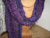 Sciarpa fantasia lavorata a maglia