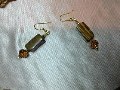 Orecchini color ambra pietra dura e vetro