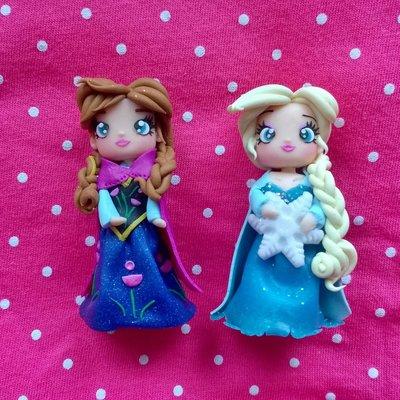 Statuine di Elsa ed Anna in fimo