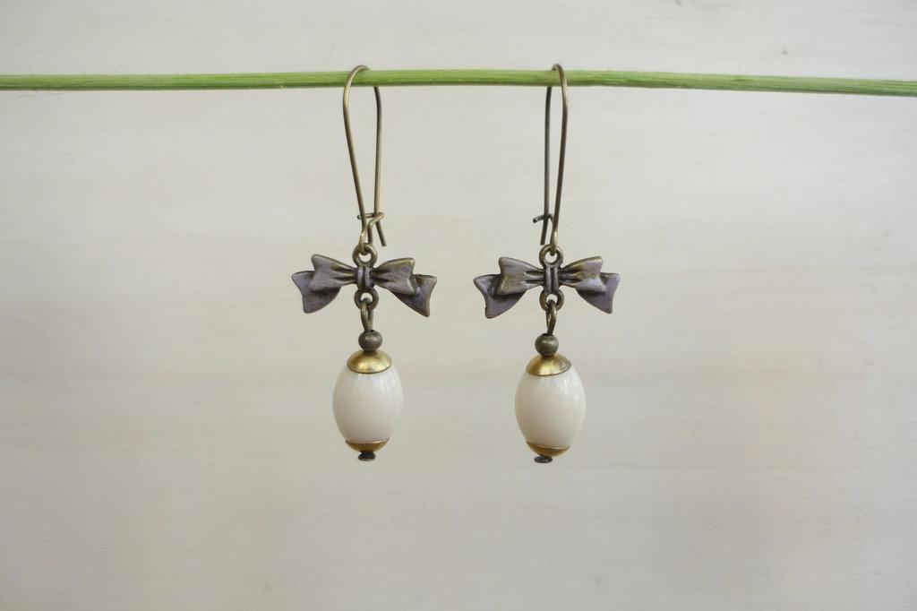 """orecchini in bronzo anticato e monachella alla francese """"Ribbon"""""""