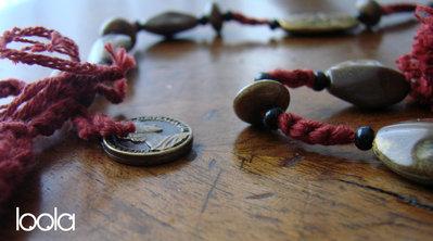Collana in cotone color ruggine lavorata con tricotin manuale