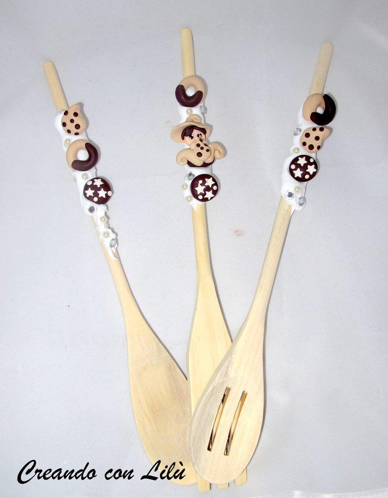 set cucina 3 mestoli in legno decorati con silicone e fimo
