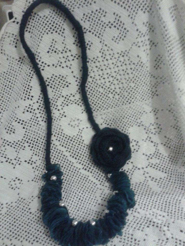collana lana e organza