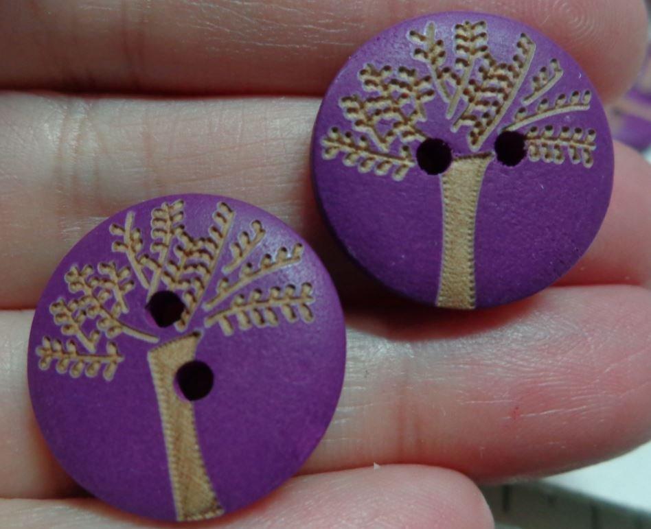 8 Bottoni in legno colore MELANZANA