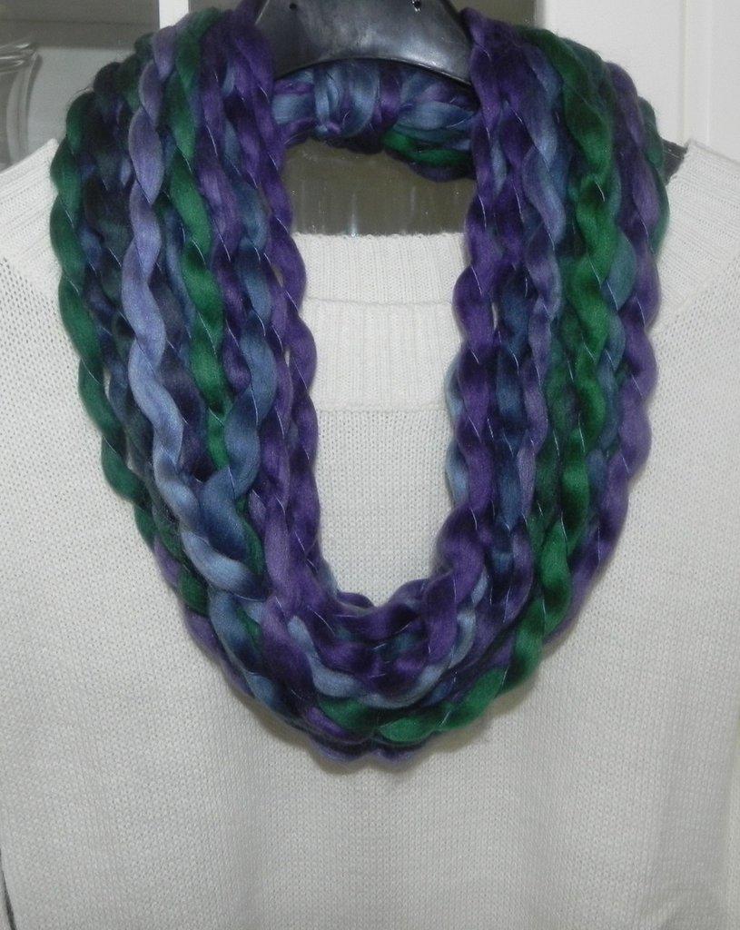 Sciarpa collana multicolore  realizzata a mano