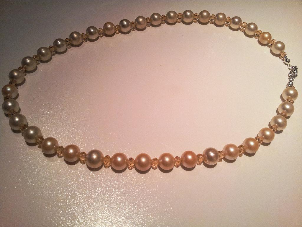 collana di perle sintetiche
