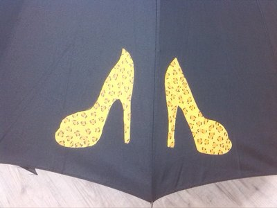 """ombrello dipinto a mano,modello """"TACONES"""""""