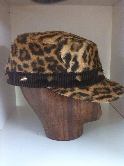 "cappello fatto a mano modelo ""ENEKO"""