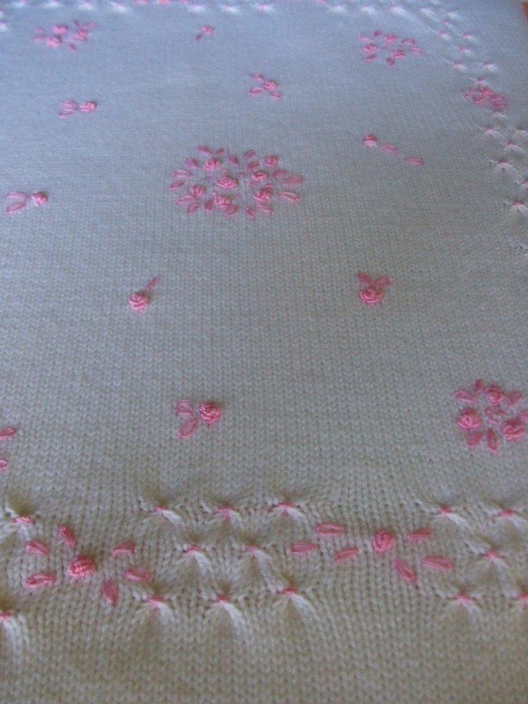 copertina piumino culla lana maglia ricamata