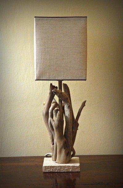 """Lampada """"SAJEK"""" con legni di mare"""