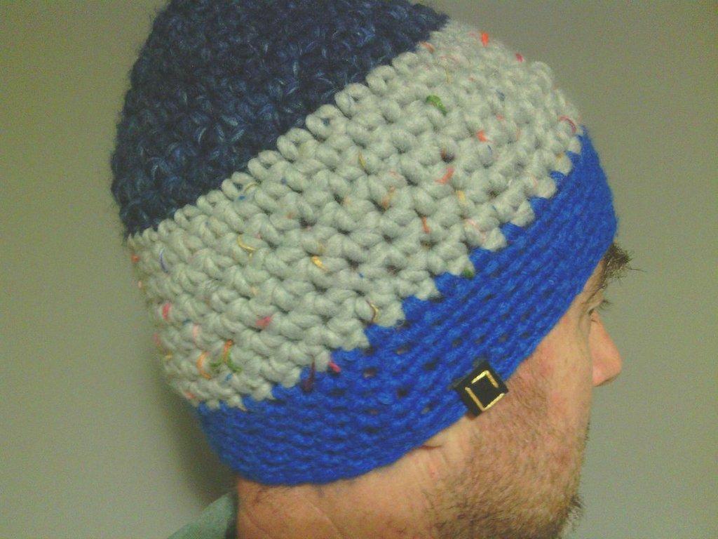 Cappelo in lana, uomo donna, fatto a mano all'uncinetto C084