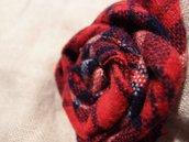 Spilla blu tartan scozzese , spilla fiore, spilla di cotone, spilla decorativa, spilla handmade, spilla fatta a mano
