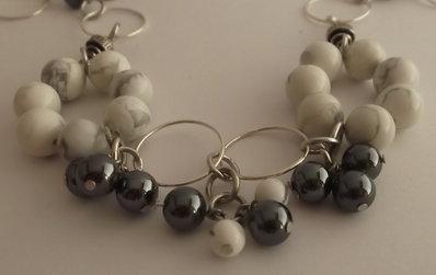 Collana con perle di aulite, ematite e catena argentata