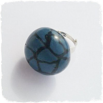 Anello regolabile fimo nero e blu