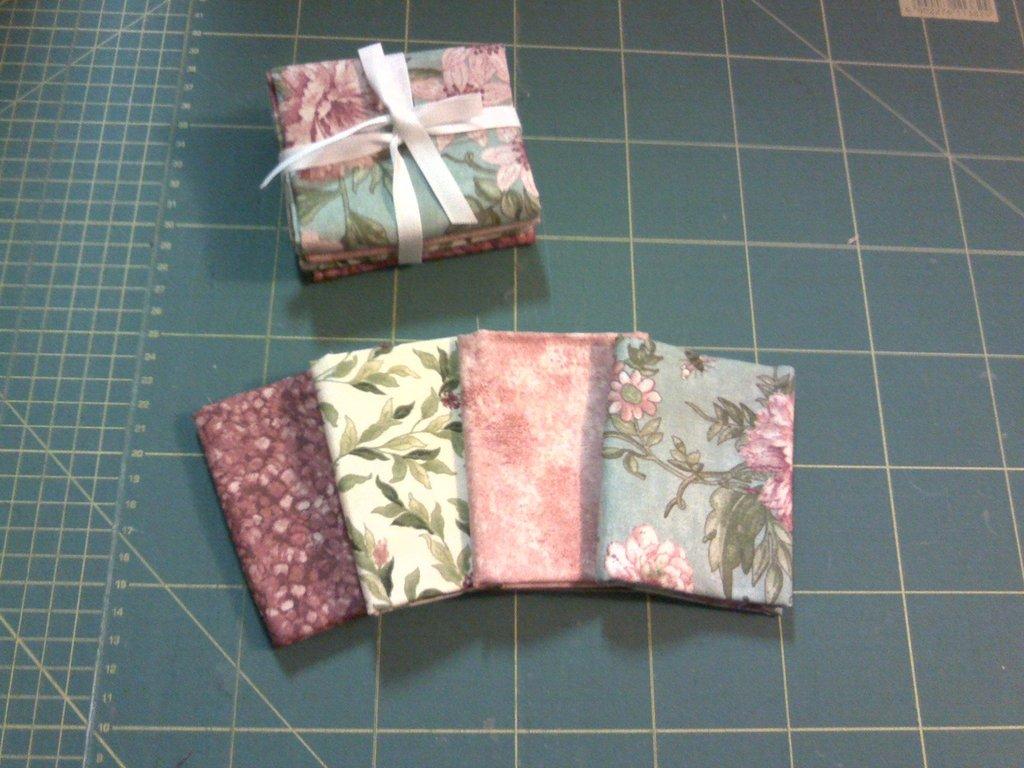 Pacchetto di tessuti americani fiorito