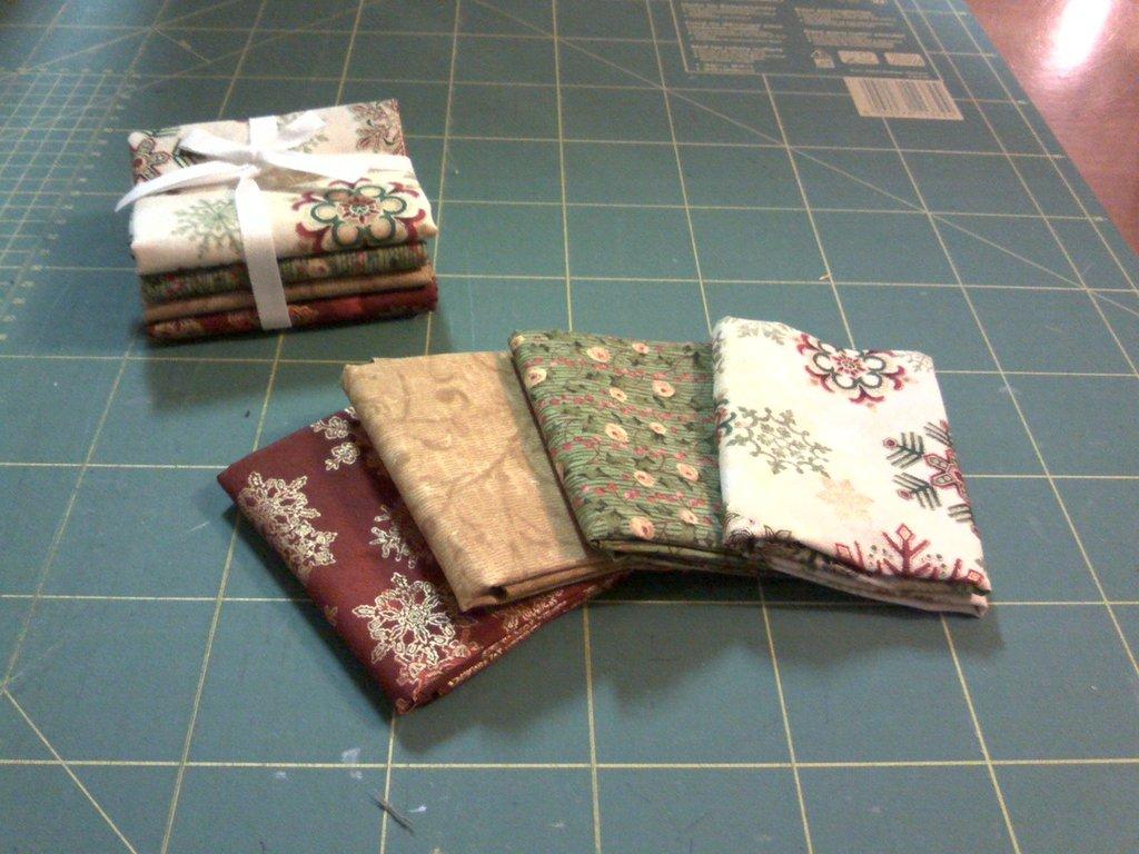 Pacchetto di tessuti americani natale rosso/ocra