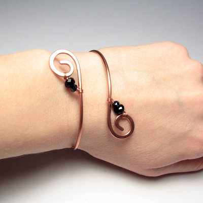 Bracciale in rame, bracciale metallo, bracciale perle nere - Nefertari bracelet - 0337-2