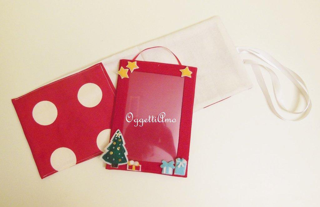 Cornice portafoto calamitata in feltro con decorazioni natalizie: un'idea regalo originale!