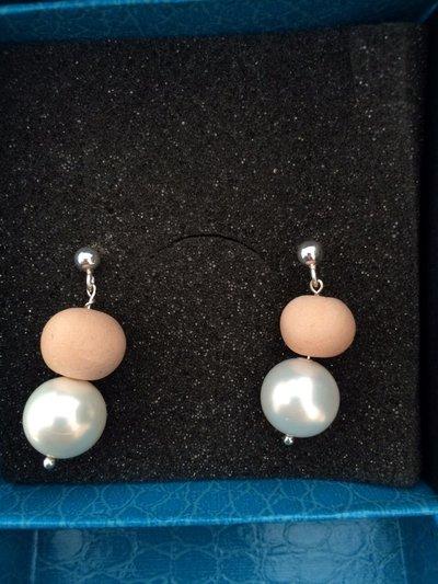 Orecchini pendenti perle e pietre