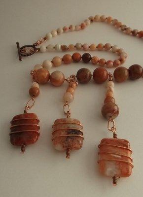 Collana di perle di agata rossa e rame
