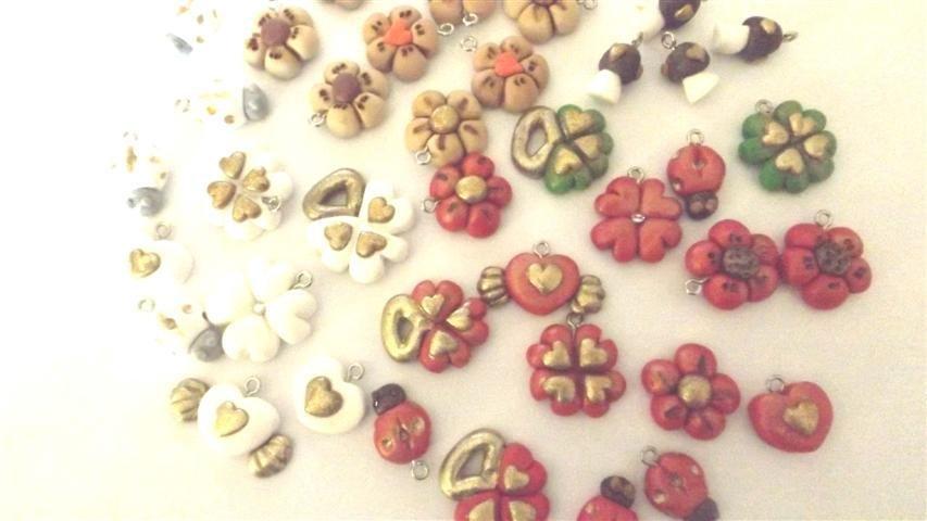 BOMBONIERE - Un ciondolo a scelta  - per matrimonio, laurea, compleanno, idea regalo - tecnica antichizzata con foglia oro