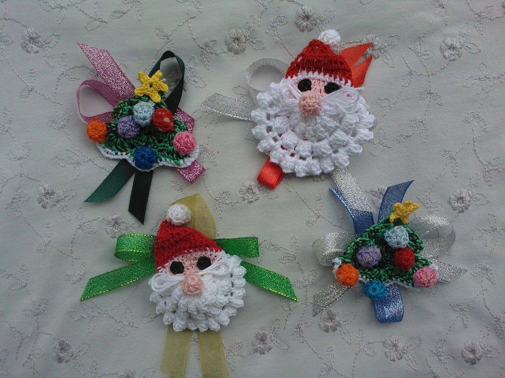 3 alberini o 3 Babbi Natale ad uncinetto in cotone.