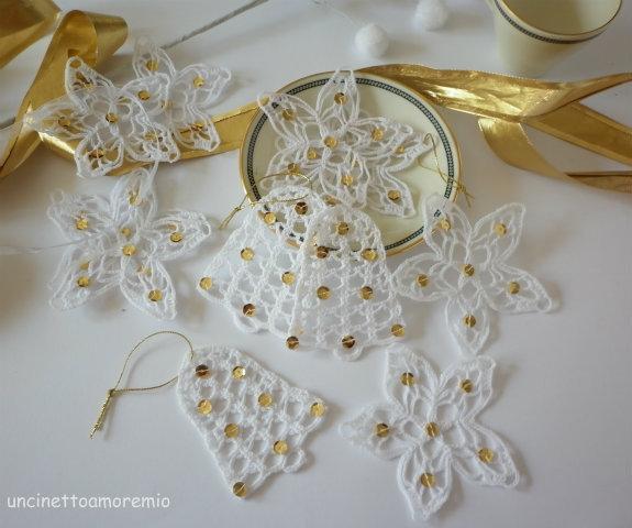 Decorazioni Natale: stelle e campane ad uncinetto