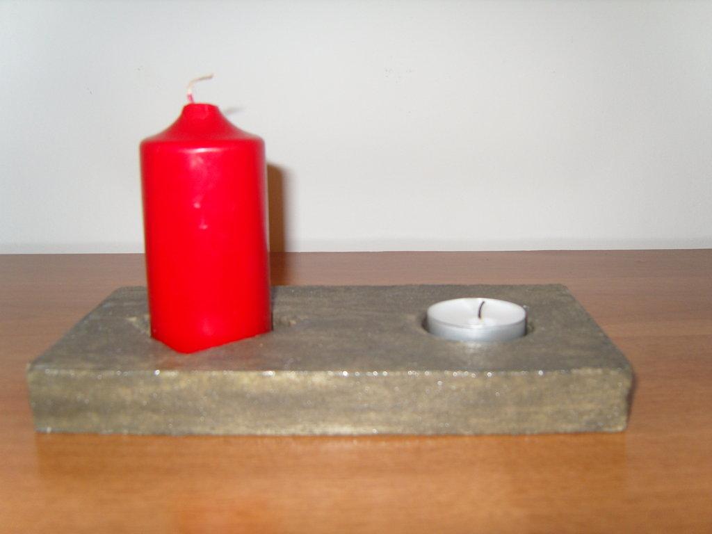 Porta candela in gesso e resina colore griggio
