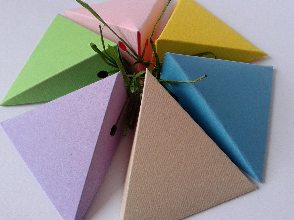 scatoline porta confetti per matrimoni, lauree, anniversari, creazioni artigianali senza nastrino