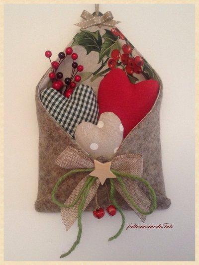 """Busta """"love letters"""" in lana cotta con tre cuori imbottiti"""