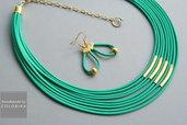 collana tessile e orecchini, colori: verde , oro
