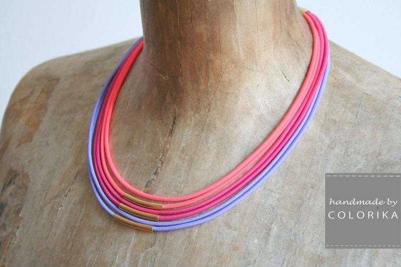 Tessile collana , Colori: viola, neon rosso, rosa, oro